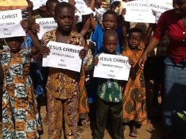 Children in Togo Hold Prayer Walk to End Ebola